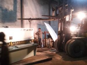 Proses Bongkar Mesin Tekuk Plat Import dari China